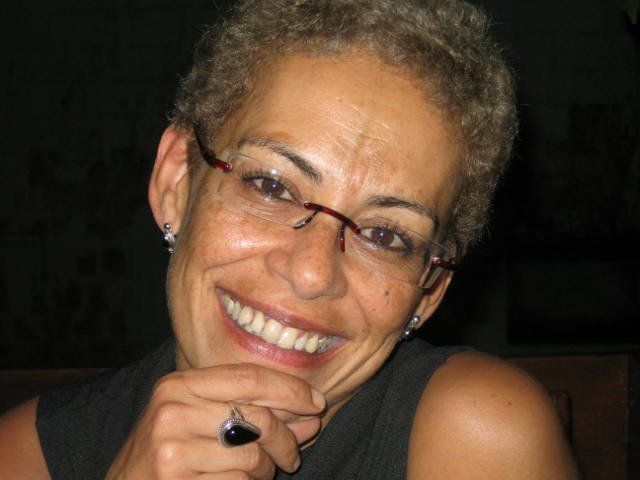 Helô de Castro